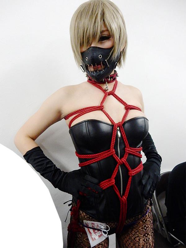 モデル・樒琉衣 撮影・市川哲也